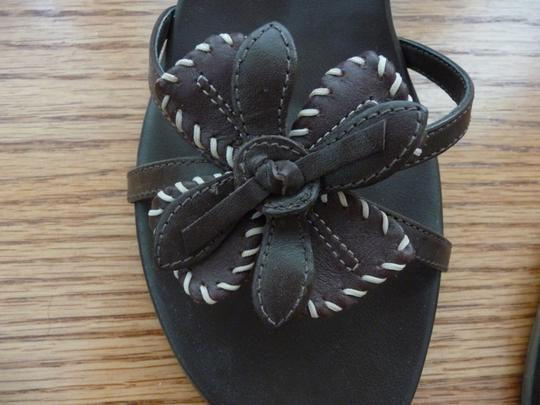 Kenneth Cole Reaction Flower Brown Sandals