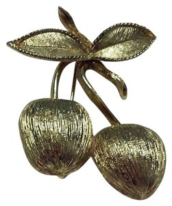 Sarah Coventry Beautiful Vintage Cherry Pin