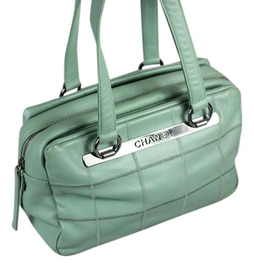 Preload https://item1.tradesy.com/images/chanel-tote-mint-green-leather-shoulder-bag-5406940-0-0.jpg?width=440&height=440