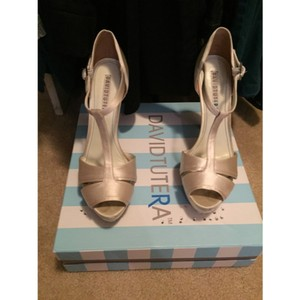 Ivory Heels Pumps Size US 8 Regular (M, B)