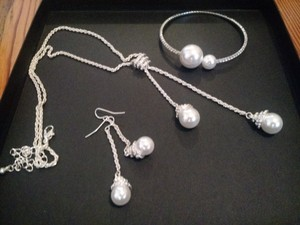 David's Bridal Pearl Sparkly Bridal Necklace Drop Earrings Bracelet