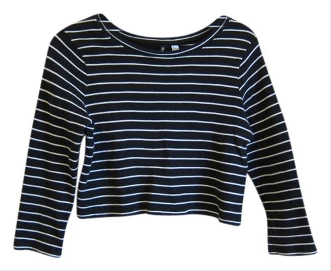 Preload https://item3.tradesy.com/images/urban-outfitters-black-cropped-striped-tee-shirt-size-4-s-5412052-0-0.jpg?width=400&height=650