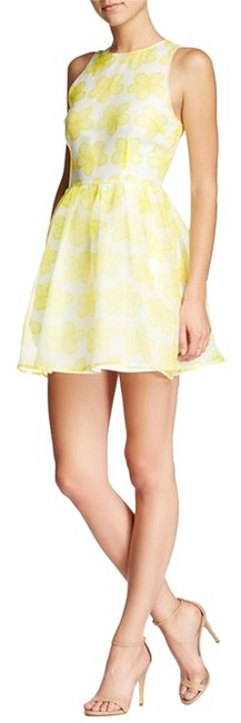 Preload https://item2.tradesy.com/images/bb-dakota-white-yellow-floral-print-organza-tea-length-summer-sundress-above-knee-cocktail-dress-siz-5412946-0-0.jpg?width=400&height=650