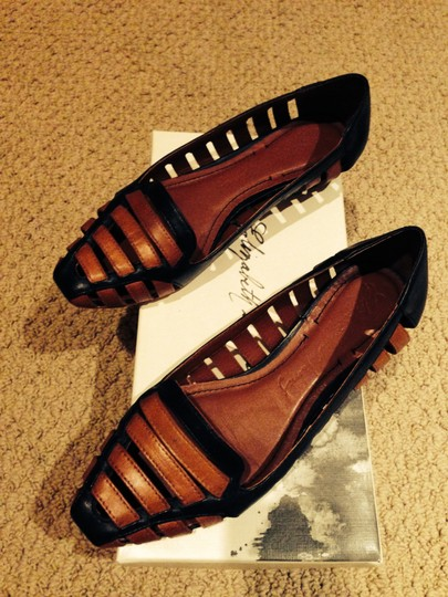 Elizabeth and James Leather Easy Color Combo Perfect Black/Cognac Flats