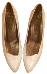 Amalfi White Pumps