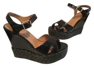 Wanted Black Wedges