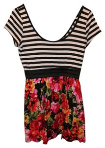 Wet Seal Striped Elastic T Shirt black and white, floral