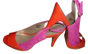 Bandolino FUCSHIA SUEDE AND ORANGE PATENT LEATHER Pumps