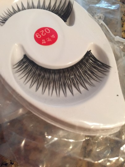 H&M 3 Sets of Glam Eye Lashes with Glue