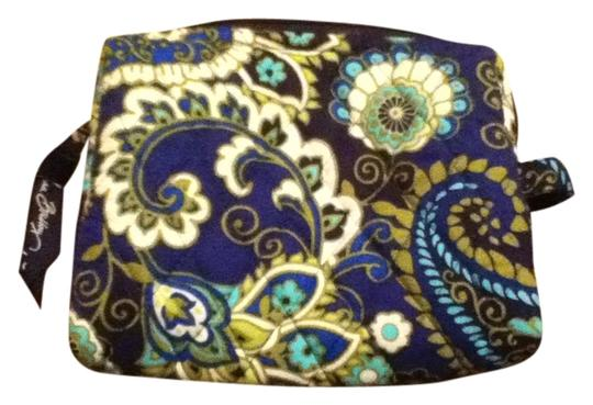 Preload https://item5.tradesy.com/images/vera-bradley-rhythm-and-blues-small-cosmetic-bag-543319-0-0.jpg?width=440&height=440