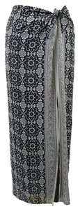 White House | Black Market Side Slit Floral Pattern Moroccan Maxi Skirt Black/White