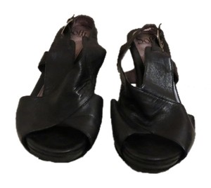Söfft Black Wedges