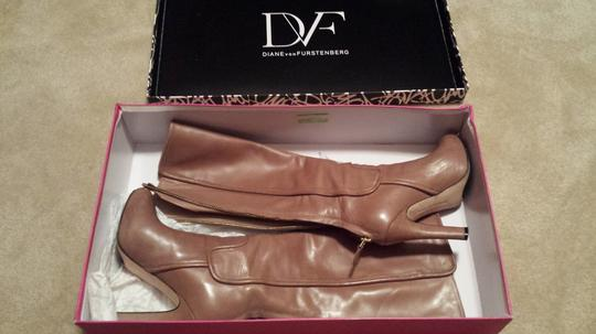 Diane von Furstenberg Dvf Shoes Leather Tote in Taupe