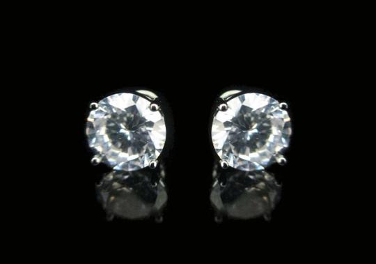 Preload https://item2.tradesy.com/images/silver-tone-9mm-round-cz-earring-544256-0-0.jpg?width=440&height=440
