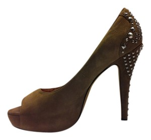 Vince Camuto Missie Willow Treize Leather Beige Spike Studded Elephant (Taupe) Pumps