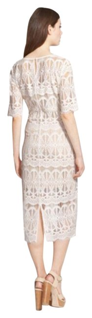 Item - Ivory Lace Body Con Mid-length Cocktail Dress Size 4 (S)