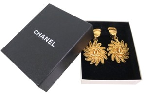 Chanel Chanel Vintage Sun Motiff Gold Dangle In Box