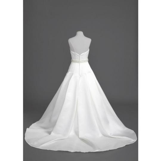 Preload https://img-static.tradesy.com/item/54468/oleg-cassini-ivory-satin-ces329-traditional-wedding-dress-size-4-s-0-0-540-540.jpg