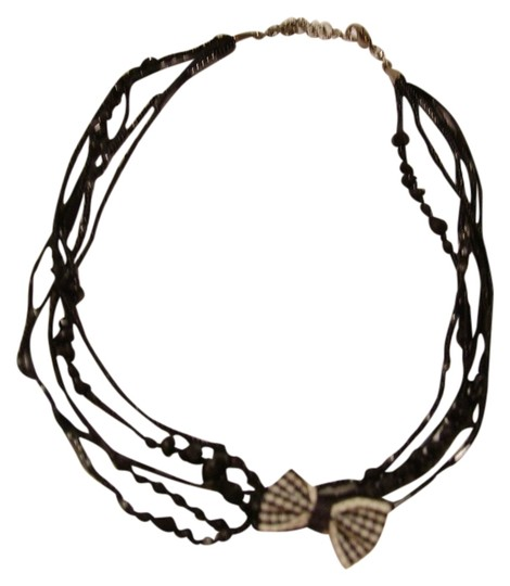 Preload https://img-static.tradesy.com/item/544999/blackwhite-unique-beaded-choker-with-bow-necklace-0-0-540-540.jpg