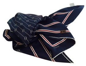 Gucci Gucci Scarf Blue. Red . White Logo GG Square Shape 100% Silk. Italy Excellent Condition
