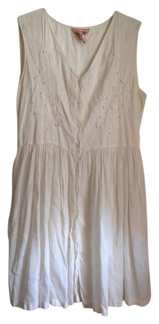 Preload https://item5.tradesy.com/images/white-boho-embroidered-mid-length-short-casual-dress-size-4-s-5451739-0-0.jpg?width=400&height=650