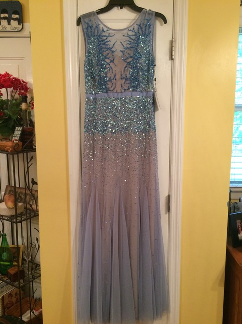 Item - Sky Blue Polyester Illusion Neck Gown Formal Bridesmaid/Mob Dress Size 6 (S)