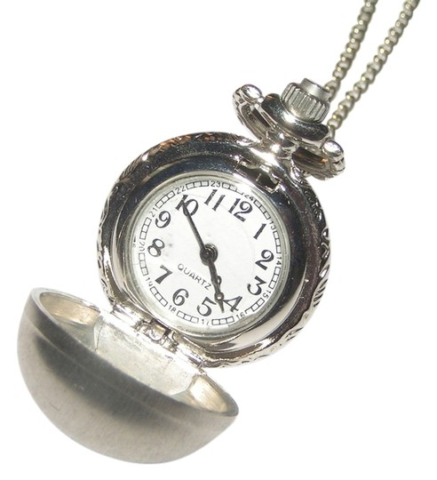 Preload https://item1.tradesy.com/images/silver-brushed-ball-pocket-sweater-necklace-free-shipping-watch-5452945-0-0.jpg?width=440&height=440