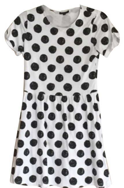 Preload https://item5.tradesy.com/images/topshop-dress-black-and-white-5453224-0-0.jpg?width=400&height=650