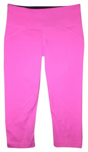 Under Armour NWT Rave Capri