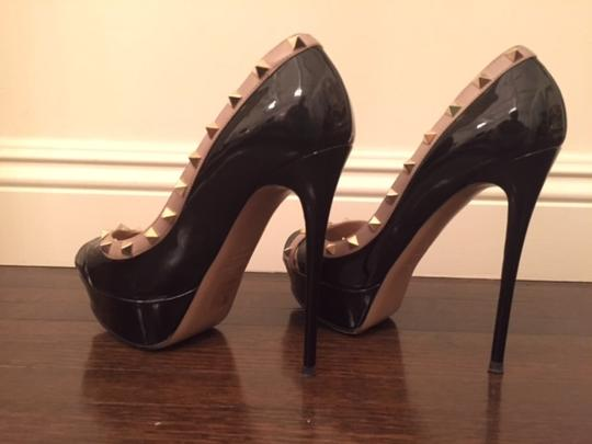 Valentino Rockstud Black with Beige and Gold Studs Pumps