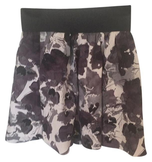 Preload https://item5.tradesy.com/images/express-black-white-and-gray-miniskirt-size-4-s-27-545789-0-1.jpg?width=400&height=650