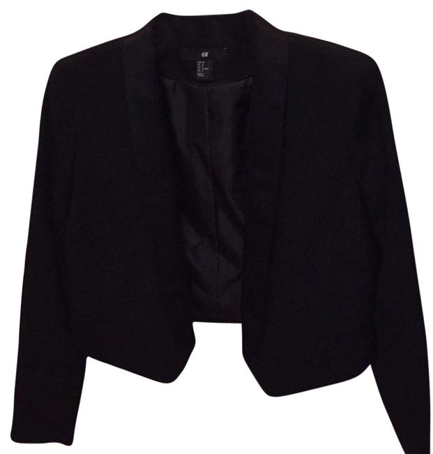 Preload https://item3.tradesy.com/images/h-and-m-black-tuxedo-jacket-night-out-top-size-8-m-5458642-0-0.jpg?width=400&height=650