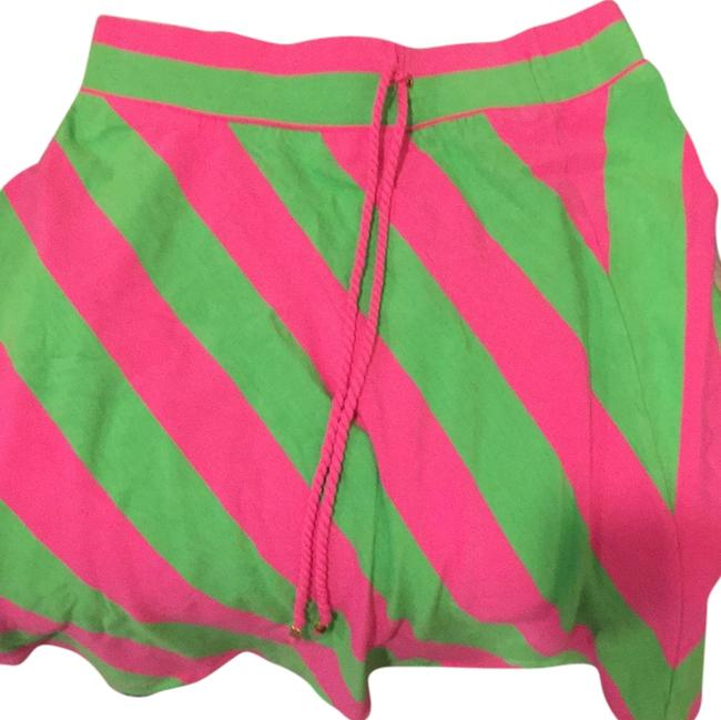 Preload https://item3.tradesy.com/images/lilly-pulitzer-knee-length-skirt-size-0-xs-25-5459242-0-0.jpg?width=400&height=650