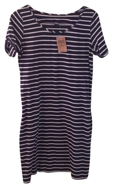 Preload https://img-static.tradesy.com/item/5462272/lucky-brand-navy-and-white-striped-nautica-mid-length-short-casual-dress-size-4-s-0-0-650-650.jpg