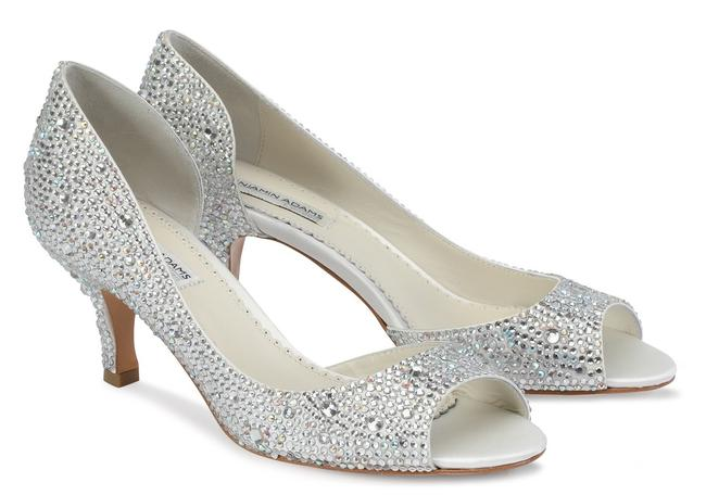 Item - Ivory/Crystal Divine Pumps Size US 8 Regular (M, B)