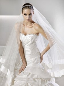 La Sposa Suite Wedding Dress