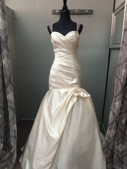 Cristiano Lucci Ivory Satin and Tulle Lea Formal Wedding Dress Size 6 (S)