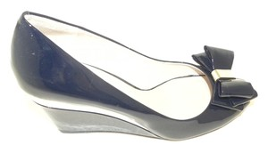 Vince Camuto Navy Patent Leather Peep Toe Bow Blue Wedges