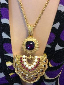 Regal Vintage Jewel Necklace