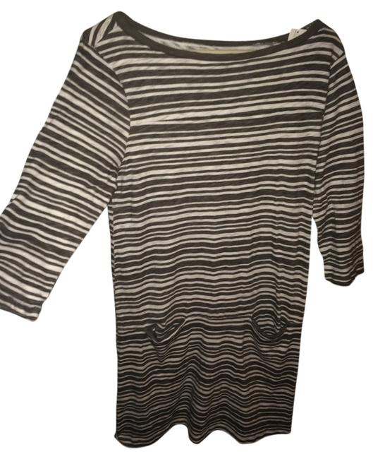 Preload https://item4.tradesy.com/images/gap-gray-and-white-stripe-above-knee-short-casual-dress-size-8-m-5472853-0-0.jpg?width=400&height=650