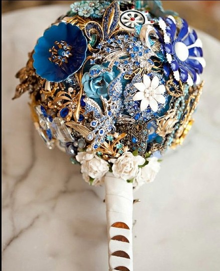 Other Brooch Bouquet