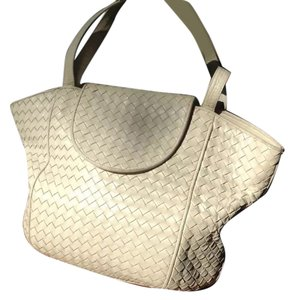 cb136858e6ad White Bottega Veneta Bags - Up to 90% off at Tradesy