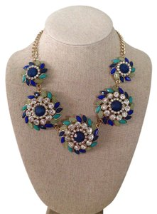 Francesca's Great statement necklace, perfect for everyday use