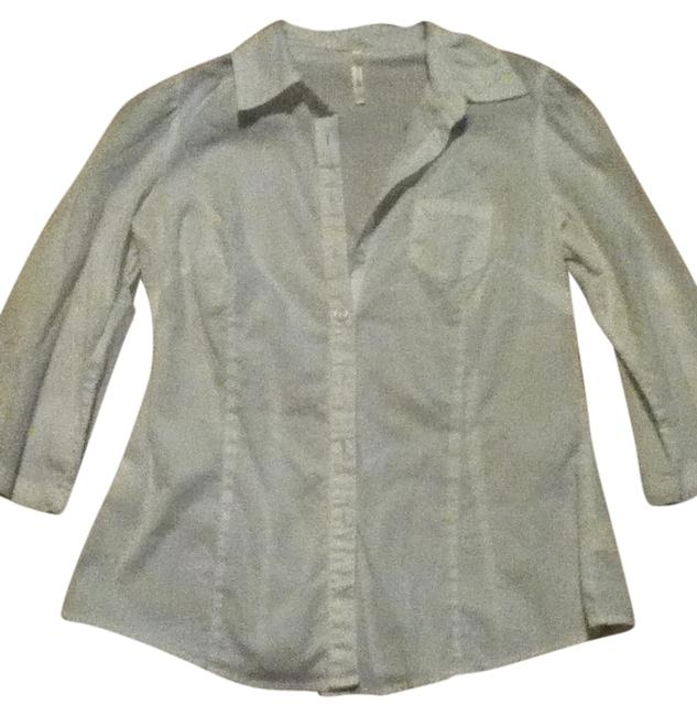 Preload https://item1.tradesy.com/images/papaya-white-button-down-top-size-8-m-547615-0-0.jpg?width=400&height=650