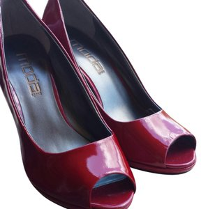 Moda Spana dark red Pumps