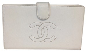 Chanel Chanel #2614 CC Logo Quilted White Caviar Bi Fold Bifold French Wallet With Kiss Lock Pocket Key Coin Holder