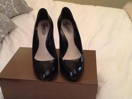 Gucci Patent Leather Stiletto Round Toe Black Pumps