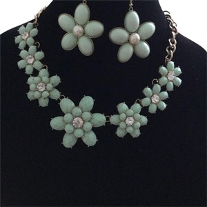 Other Flower Necklace & Earrings * Turquoise Aqua * Rhinestones Pearls