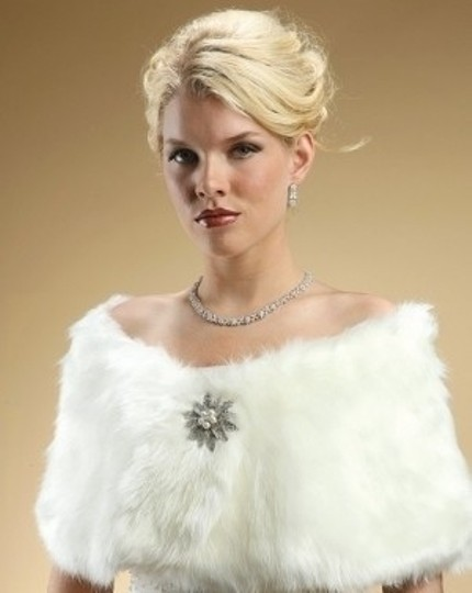 Preload https://item1.tradesy.com/images/mariell-ivory-faux-fox-fur-wrap-54795-0-0.jpg?width=440&height=440