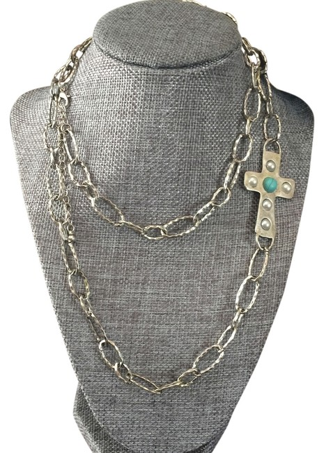 Item - Silver and Turquoise Cross Link Necklace